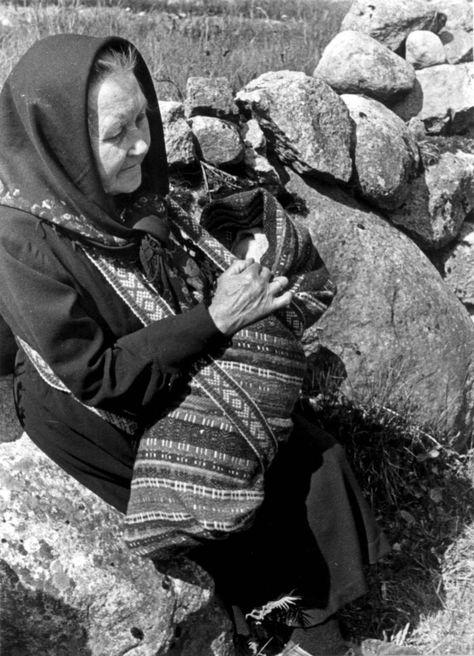Gurine Engedal. Kvinesdal, 1941.